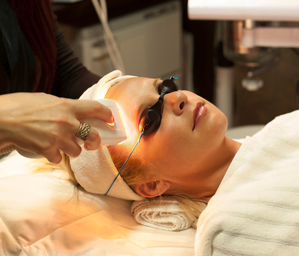 MicroPhototherapy - Anti-aging facial for smoothing, tightening and lightening of skin